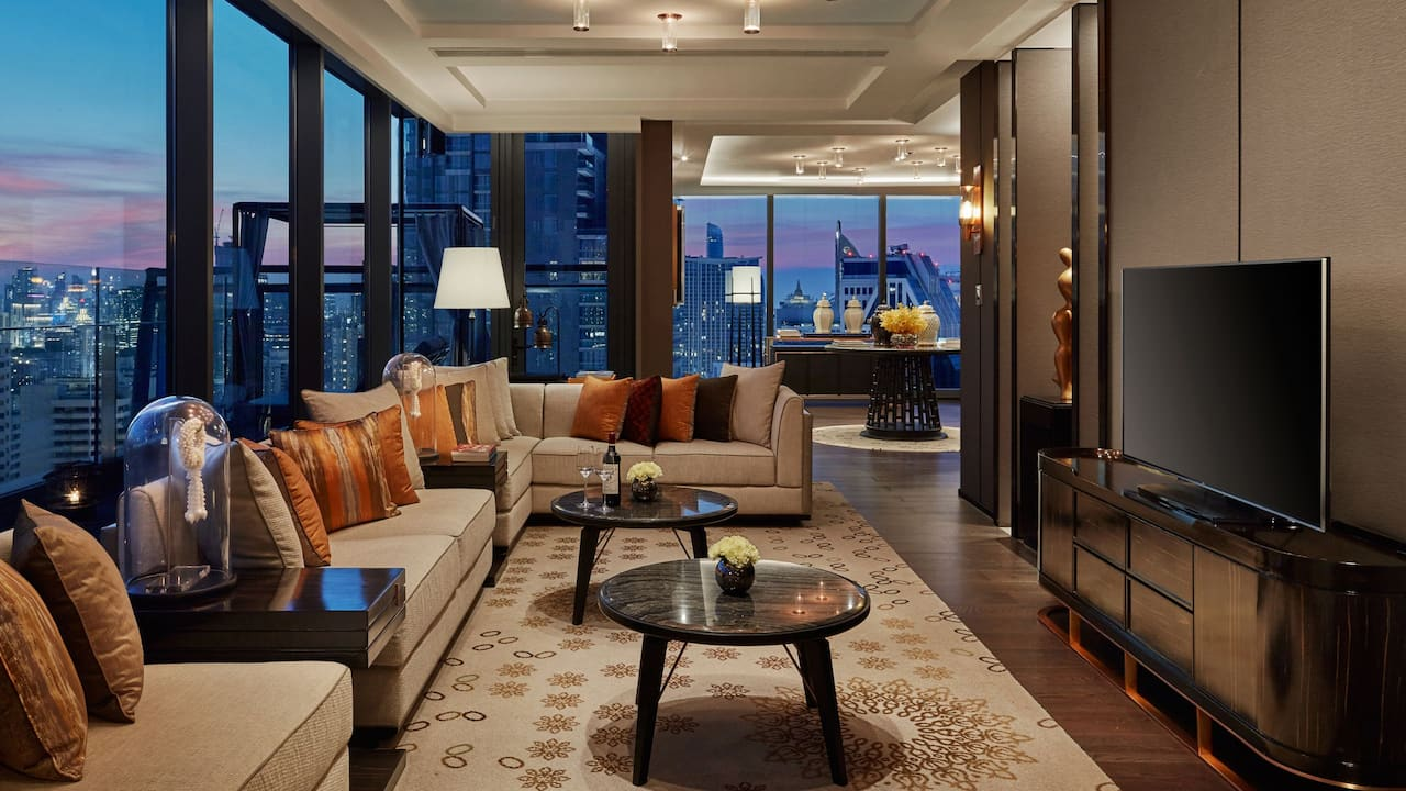 Hyatt Regency Bangkok Sukhumvit has 273 energizing guestrooms and suites.