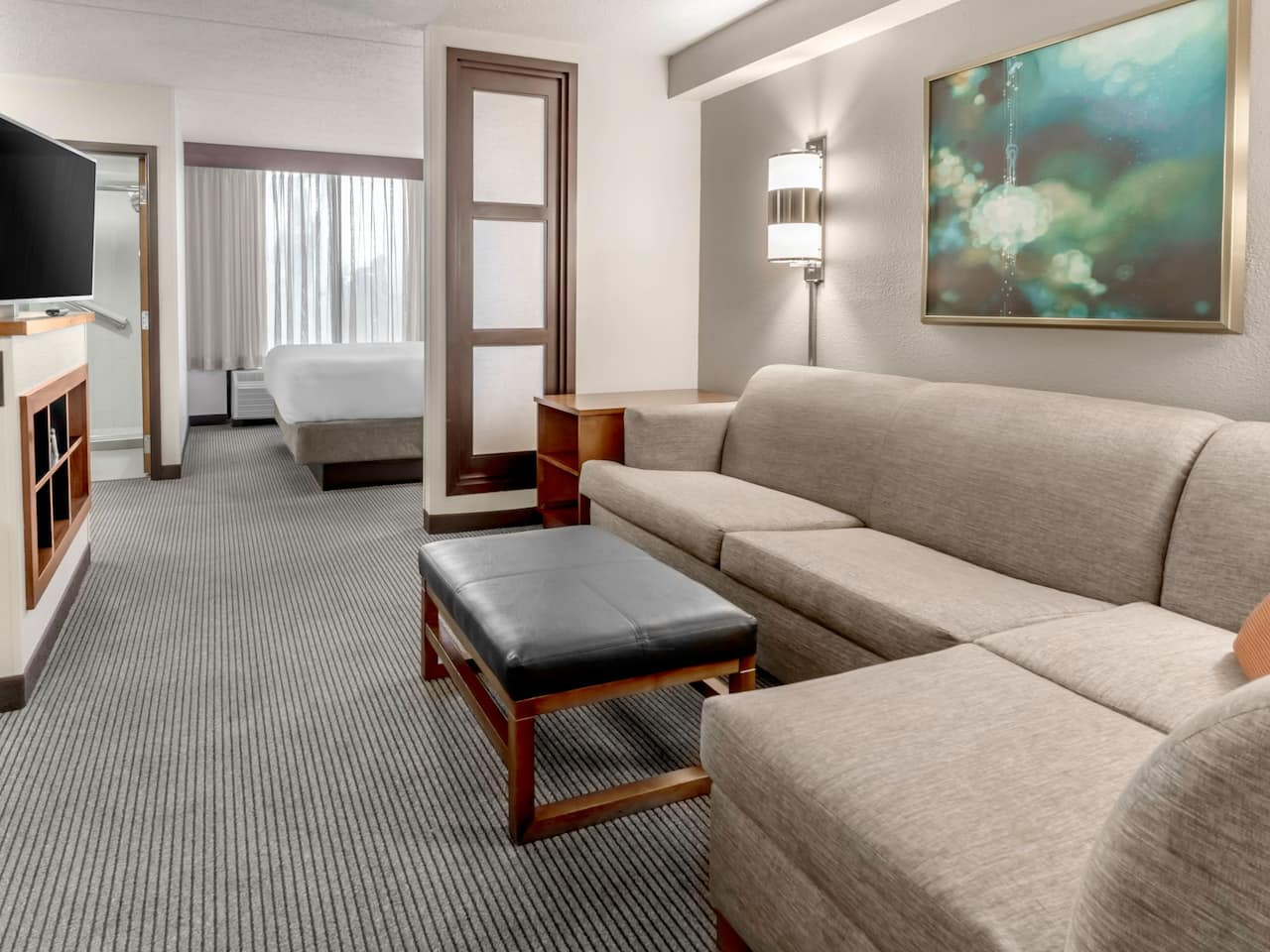 Hotel in Charlotte NC with King Bed plus Pull out Sofa Sleeper Bed at Hyatt Place Charlotte Airport / Tyvola
