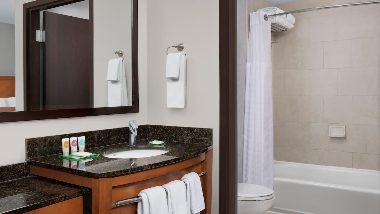 Queen Queen Bathroom with Tub