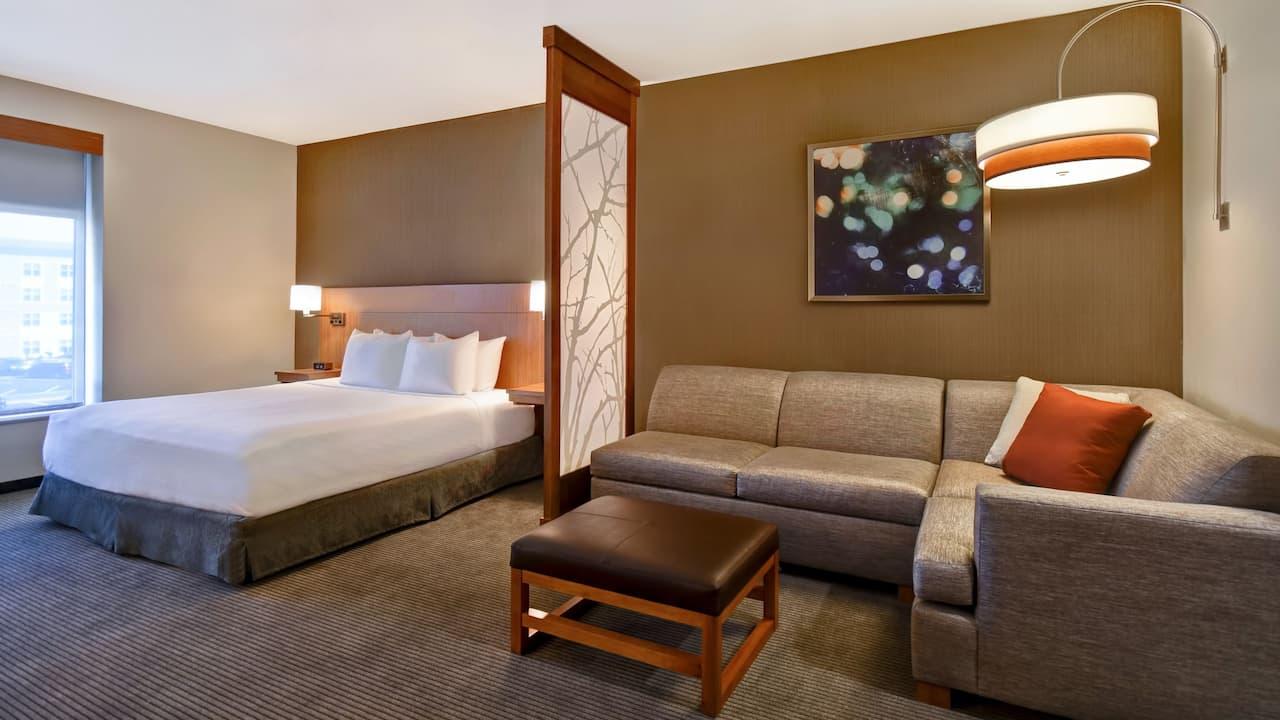King Room Cozy Corner