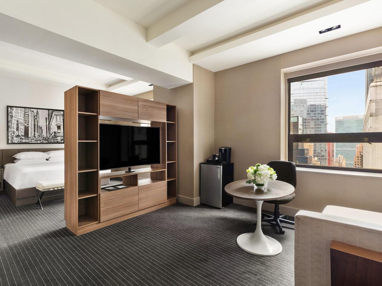 Grand Hyatt New York King Suite with City View