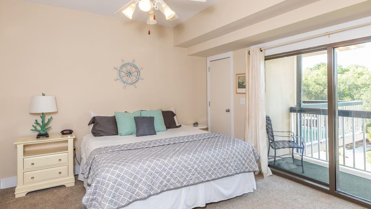 3 Bedroom Ocean View, Condo