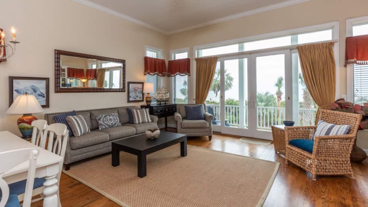 4 Bedroom Ocean Front, Home