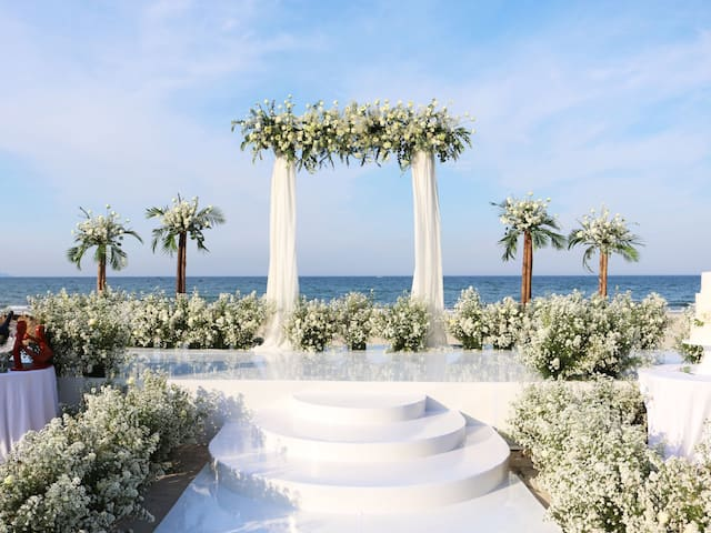 Hyatt Regency Danang Resort and Spa Wedding