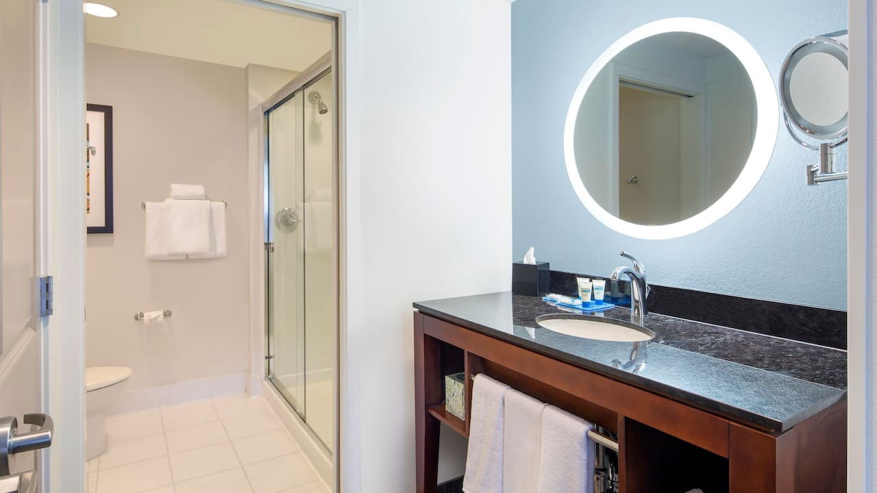 San Jose / Silicon Valley Guest Room with Modern Bathrooms at Hyatt House San Jose / Silicon Valley