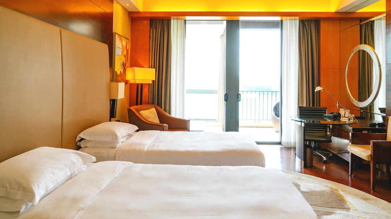 Hyatt Regency Dongguan Guestroom