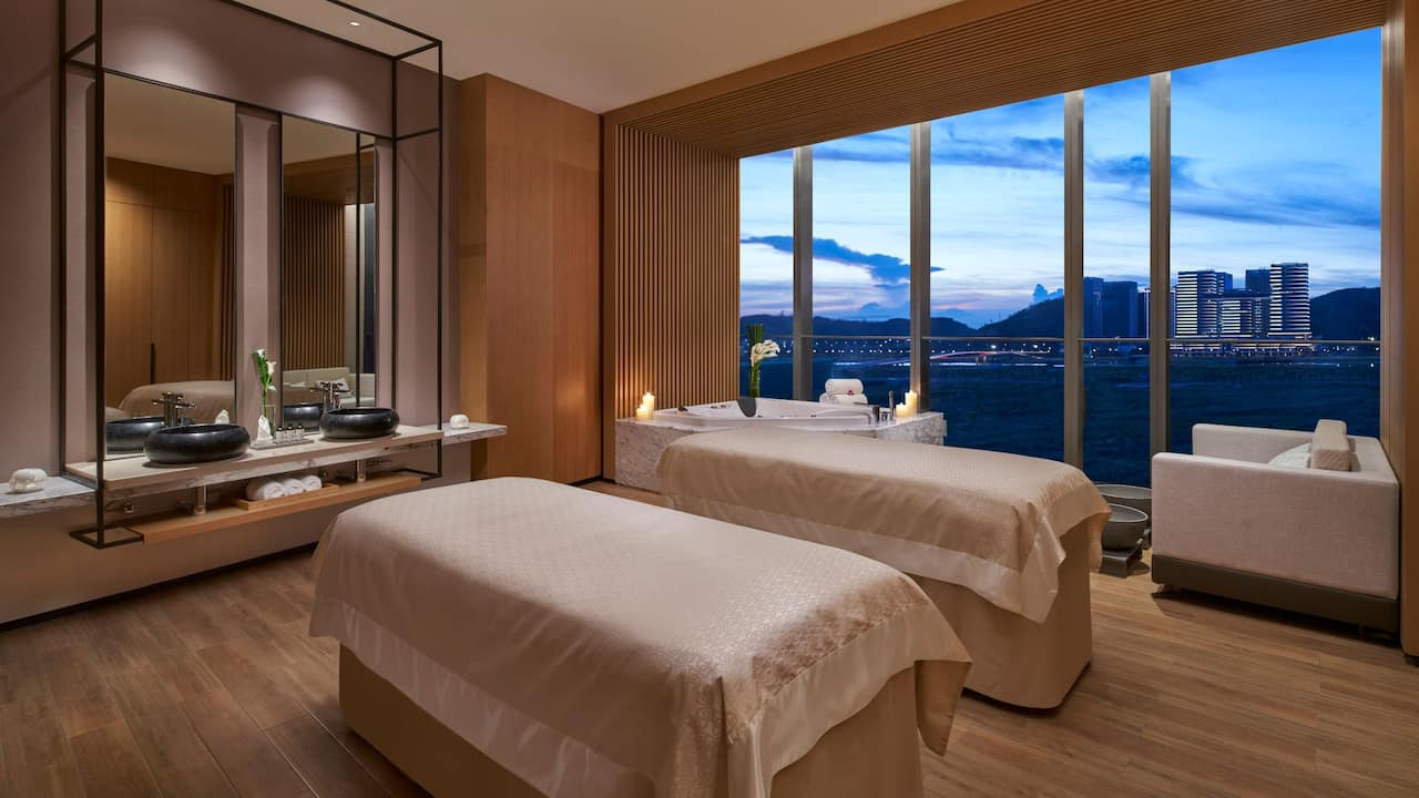Flo Spa Room