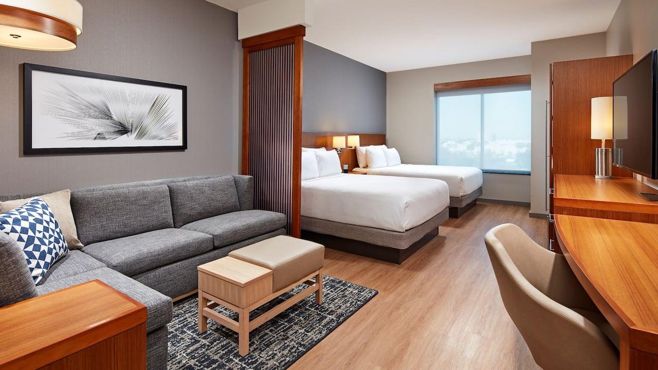 2 Queen Guestroom