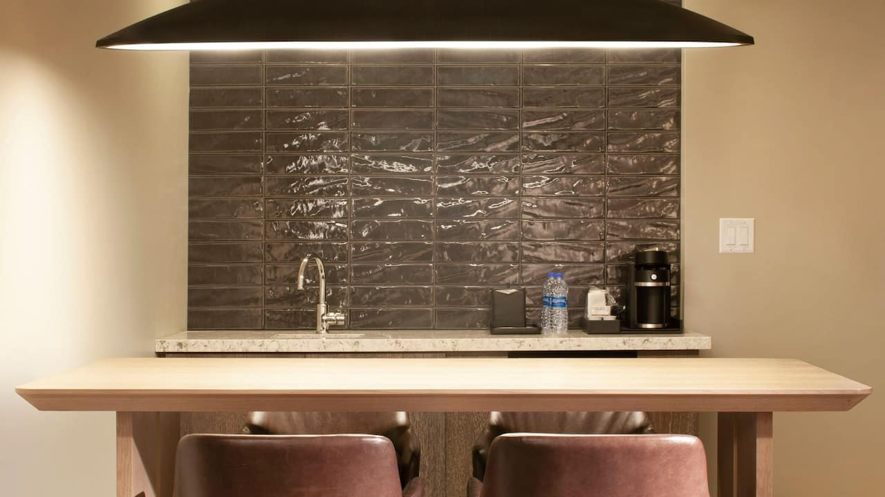 Regency Bar Suite