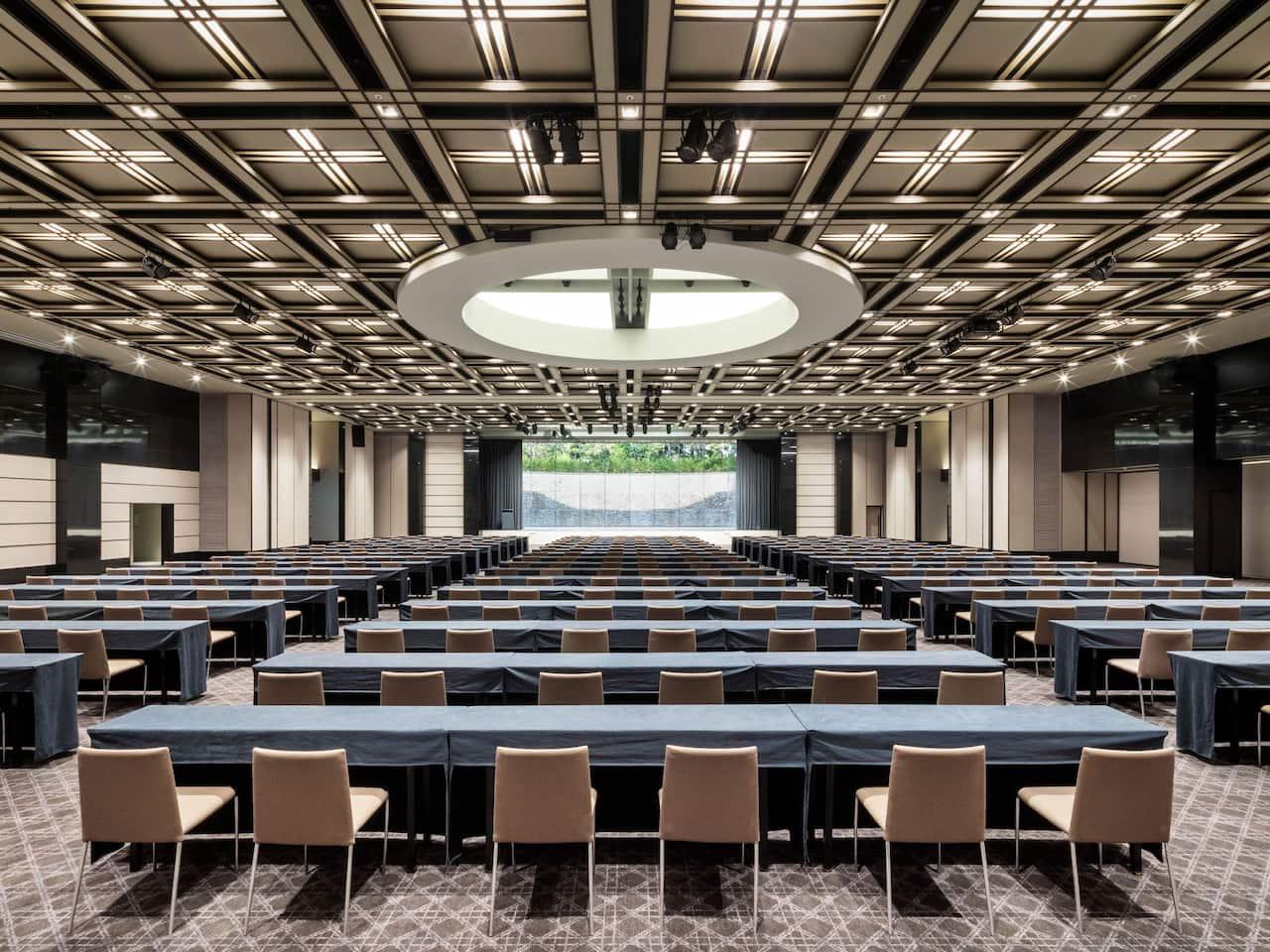 grand ballroom round