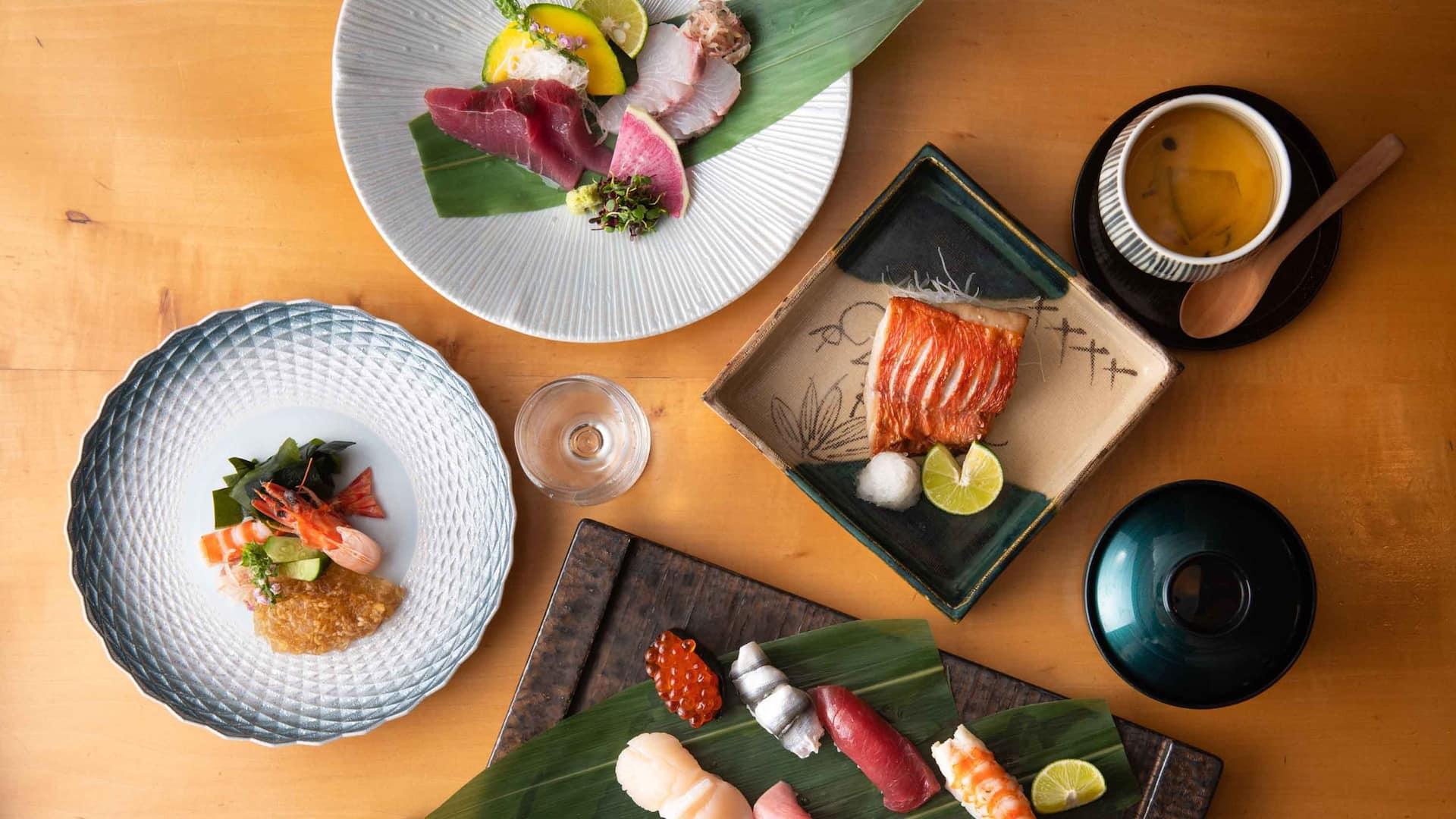Hyatt Regency Hakone Resort & Spa | Dining room sushi