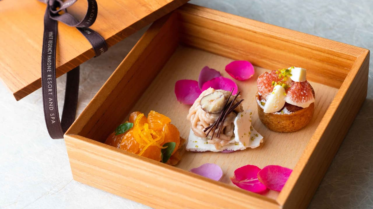 Hyatt Regency Hakone Resort & Spa| Sweets Lunch Course