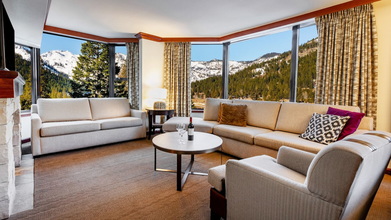 Deluxe Fireplace Suite Valley View Living Area and View