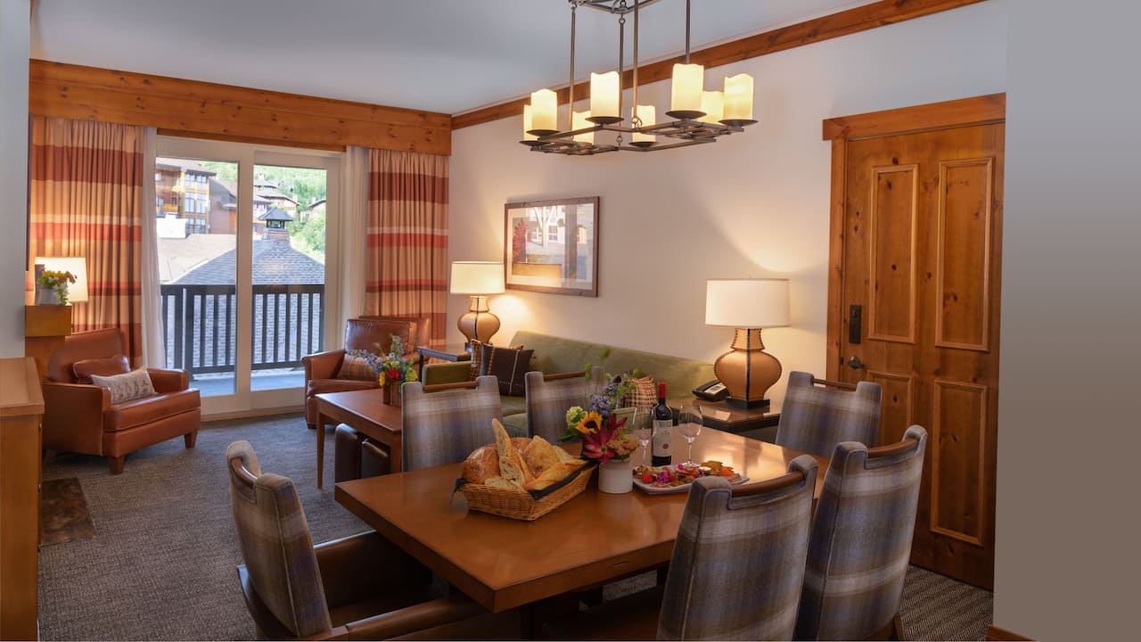 The Lodge at Spruce Creek, Ridgeline Suite Living Area