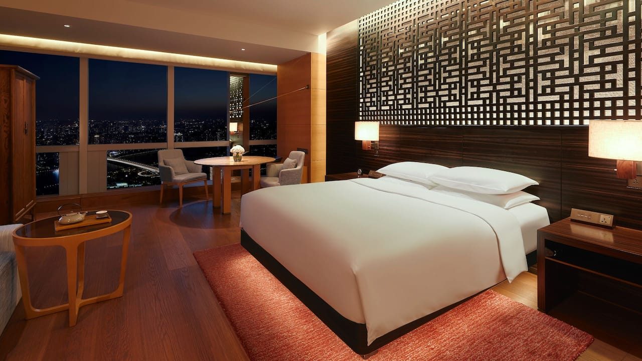 King Bed River View Room Night