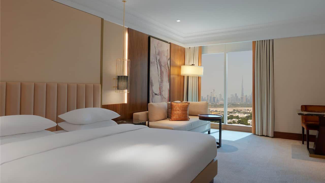 Grand-Hyatt-Dubai-King-Bed-Skyline-View