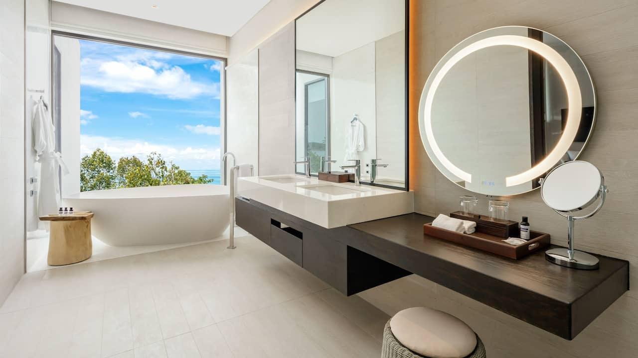 Regency Suite Bathroom Seaview