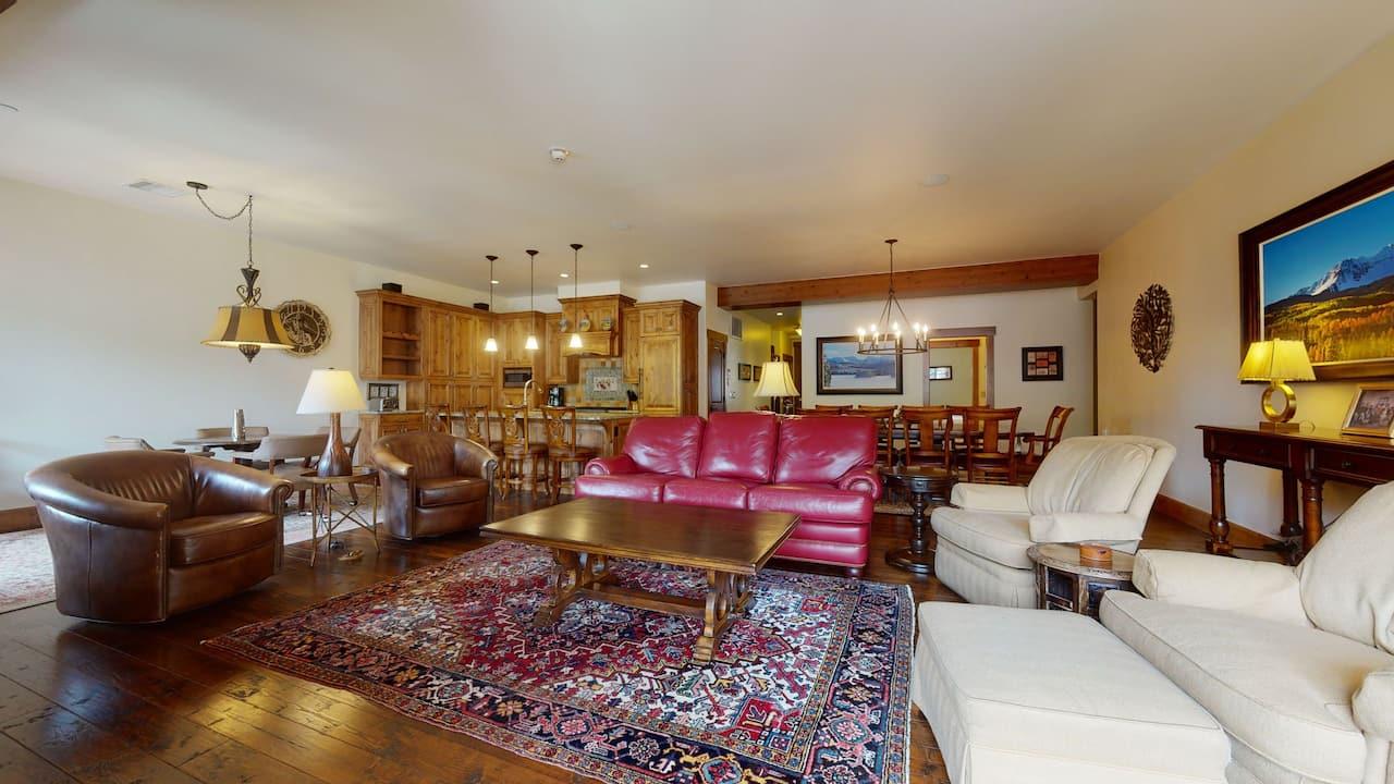 4 bedroom condo with 4 bath penthouse