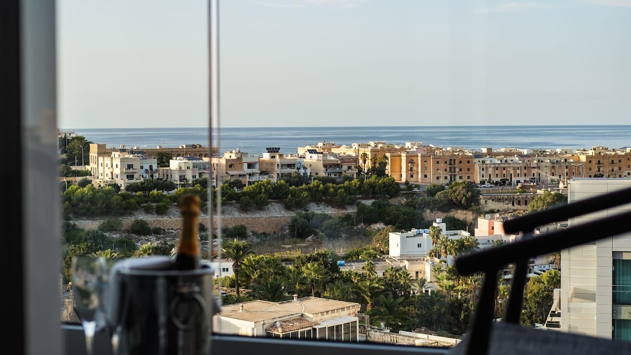 Hyatt Regency Malta suite