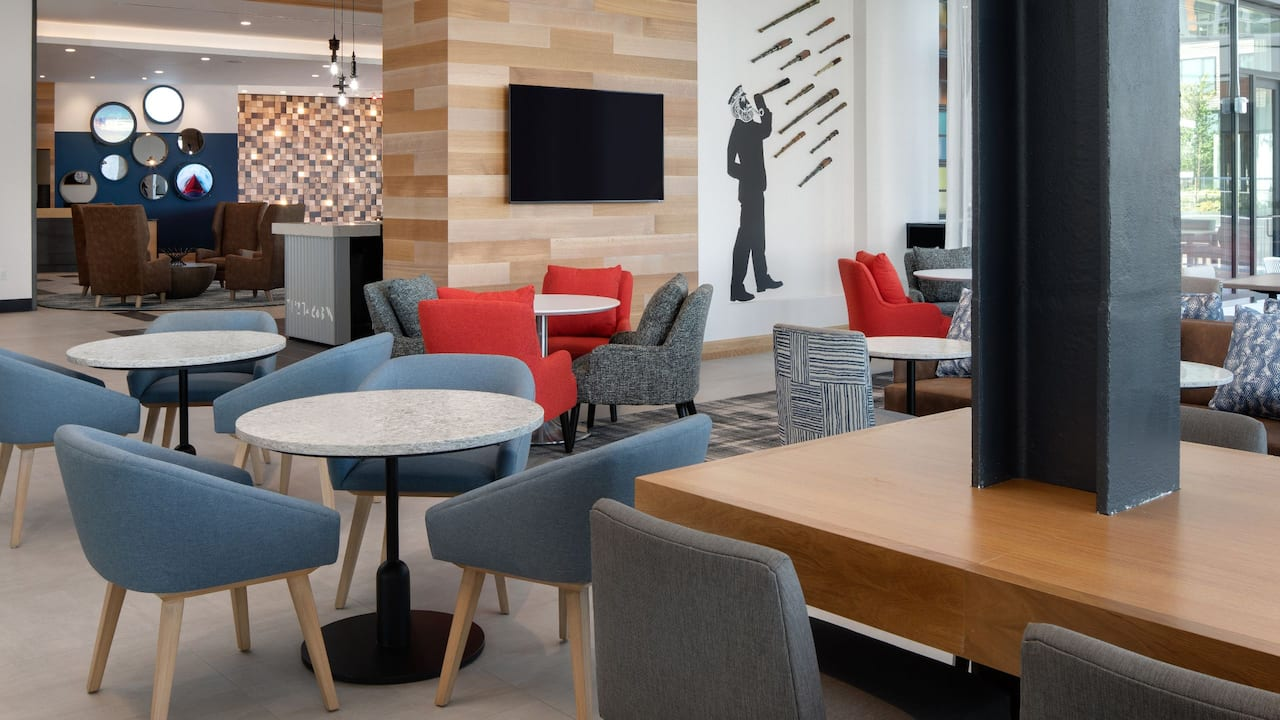 Hyatt Place Boston / Seaport District Lower Lounge
