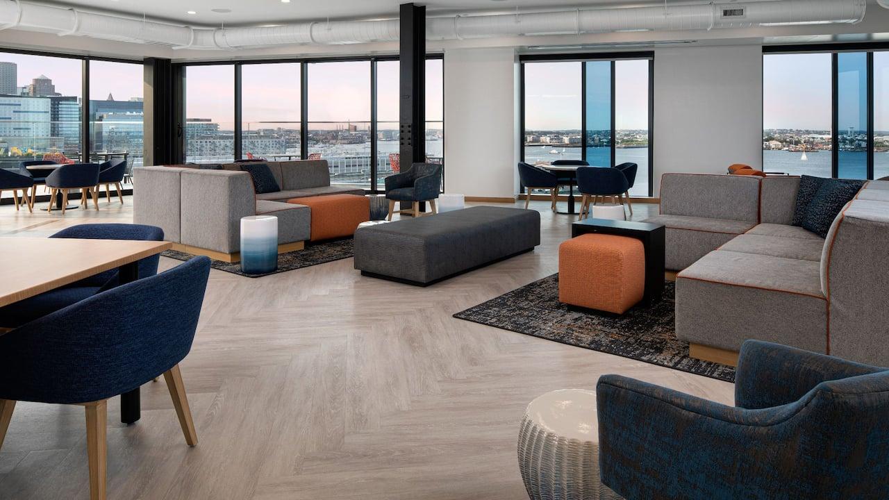 Lounge Upper