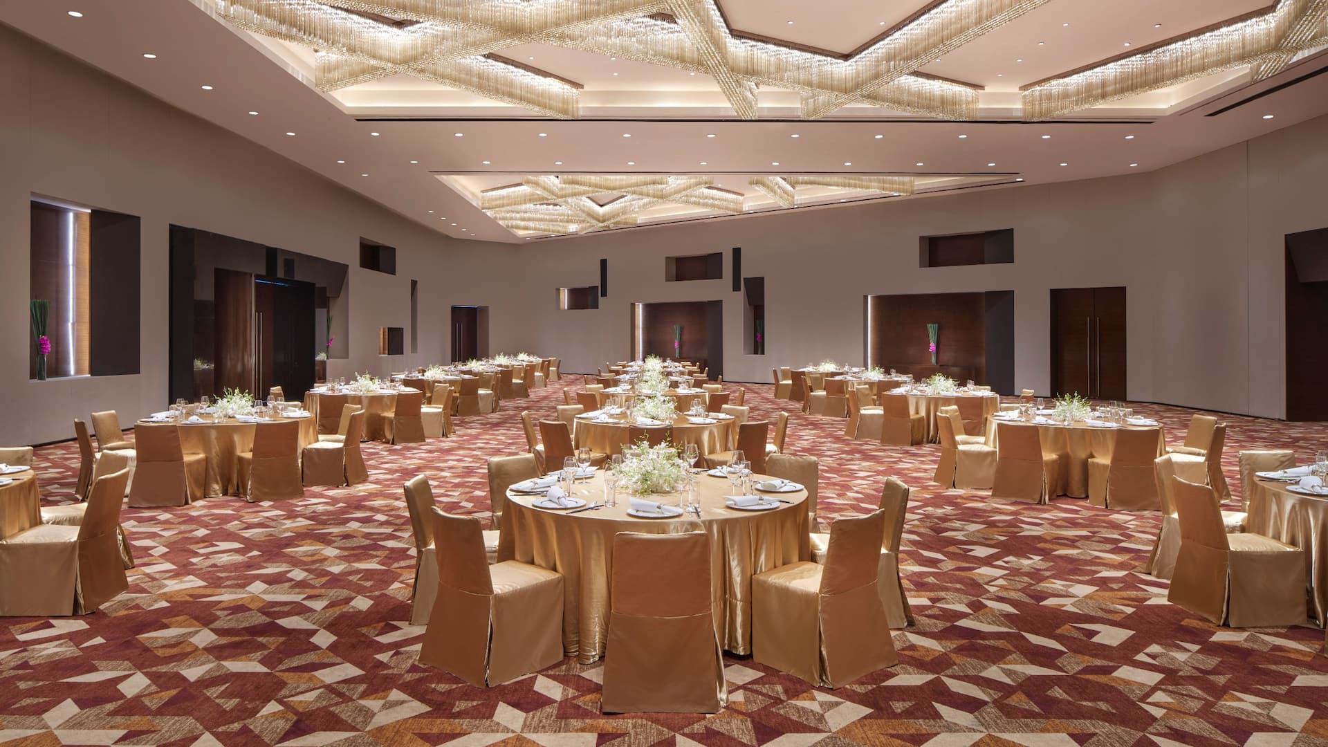 Grand Hyatt Guangzhou, ballroom wedding set-up