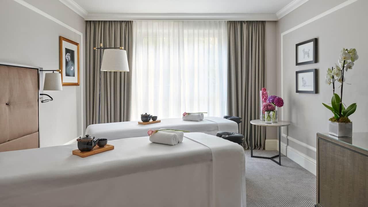 Hyatt Regency London Couples Treatment Room