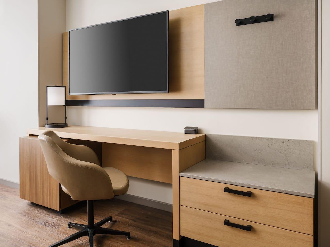 Standard Guestroom Desk