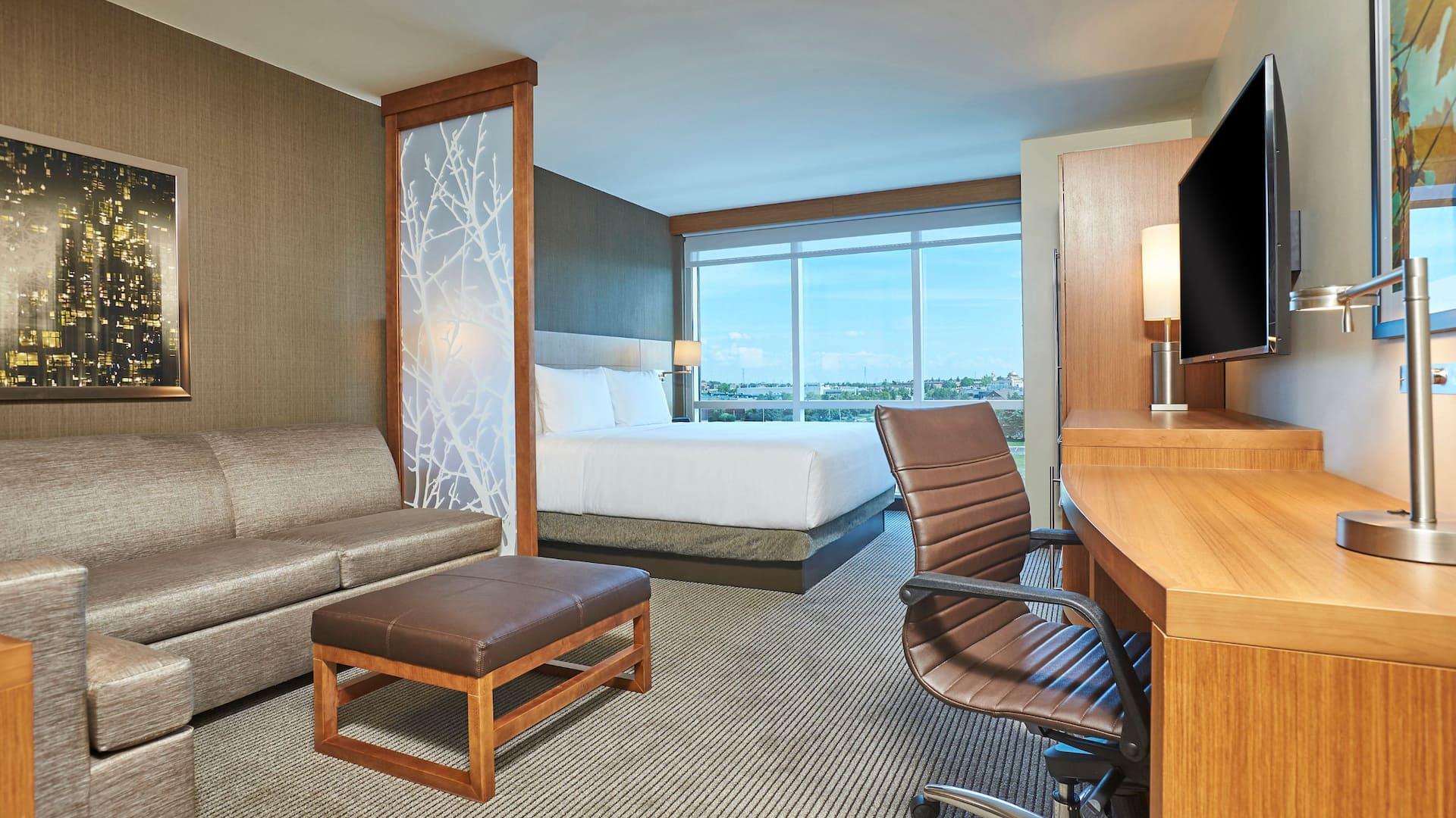 High Floor King Guestroom