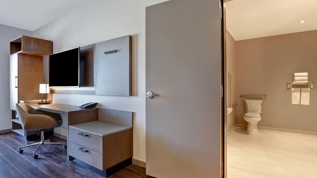King Accessible Guestroom