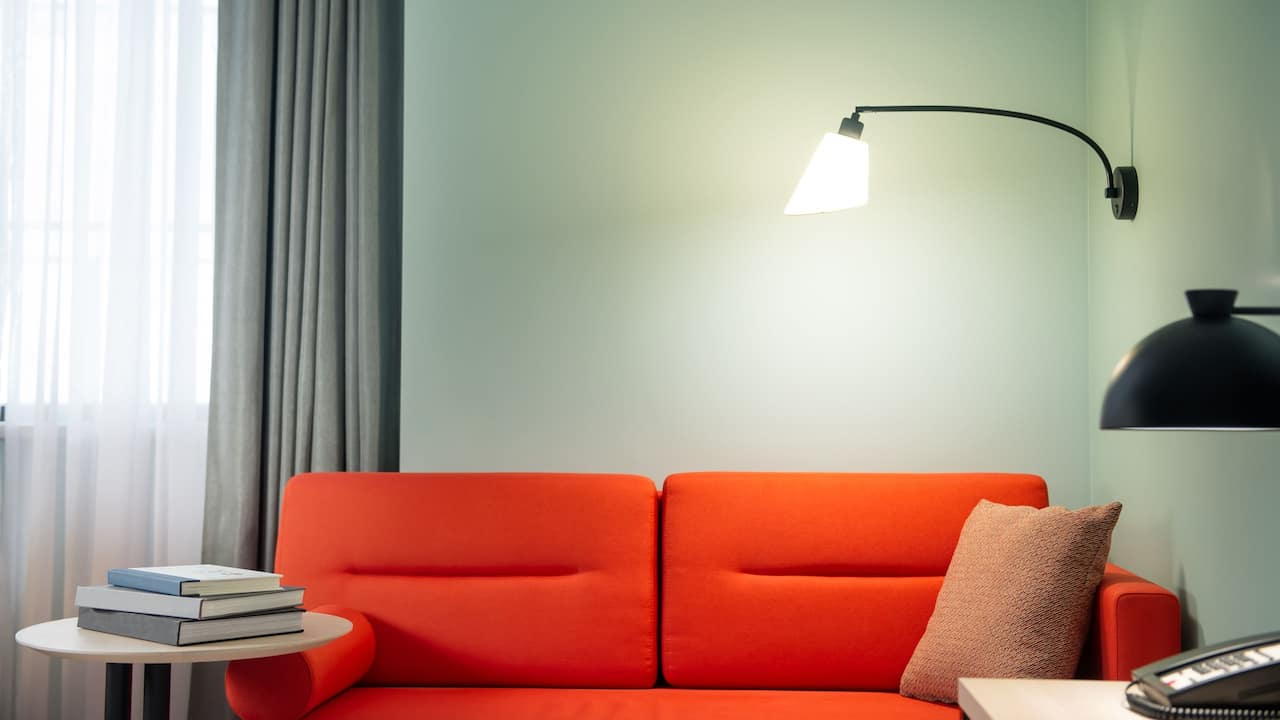 King Bed Seating