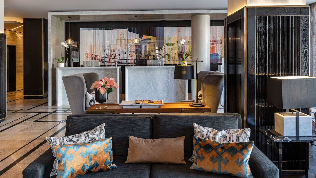 Hyatt Regency Cape Town Reception