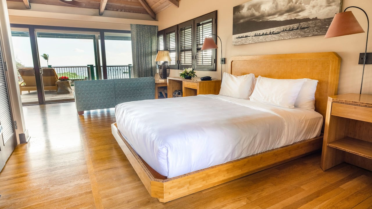 One king bed ocean view bungalow in Hana, Maui