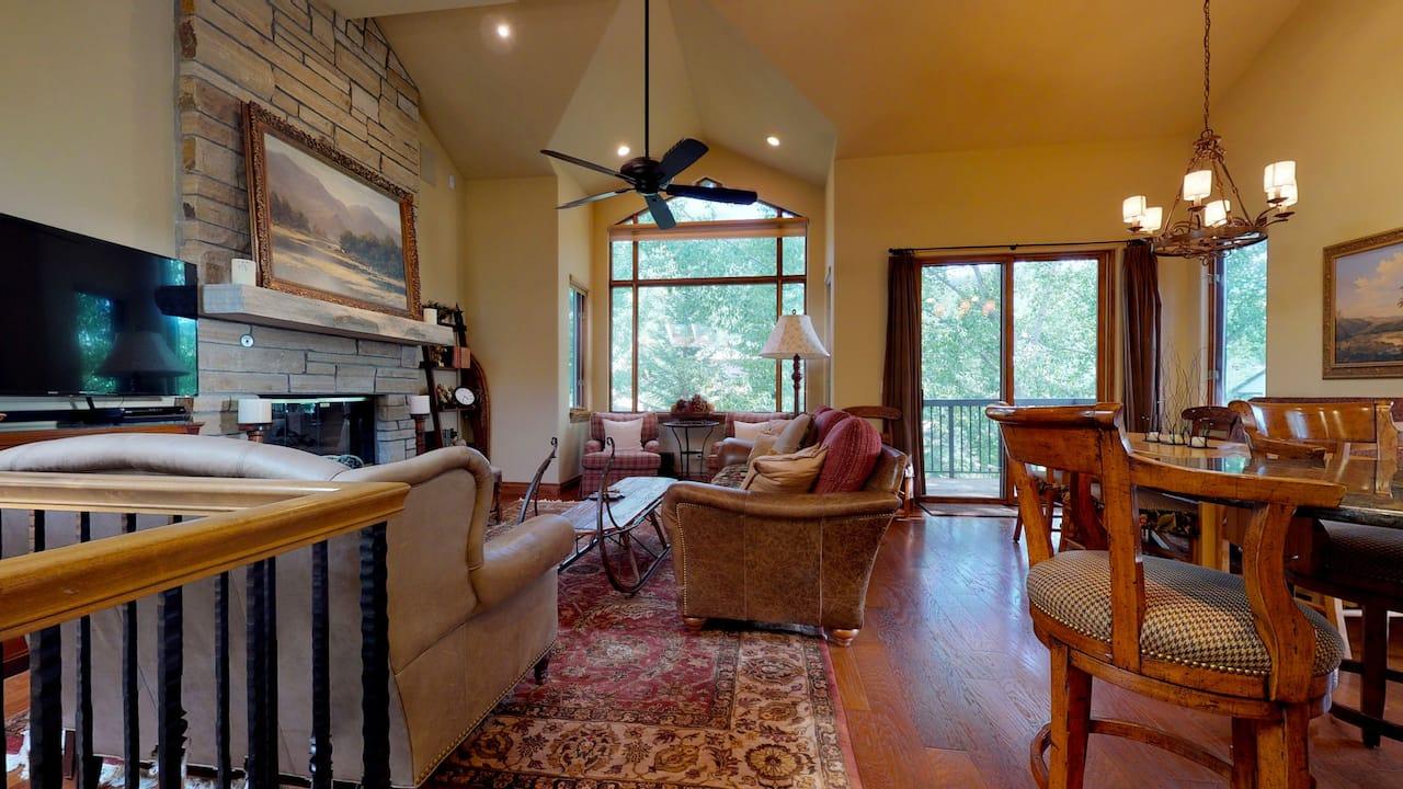 Living Room Four Bedroom Platinum