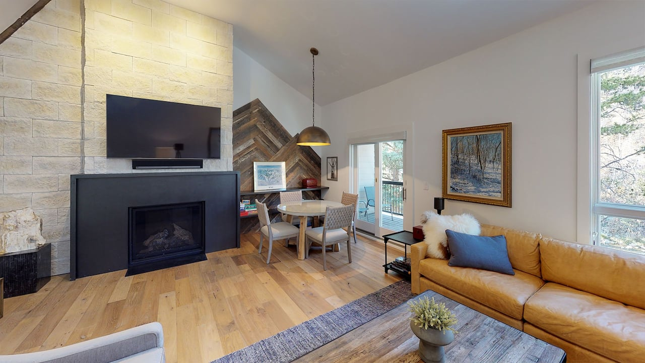 Coldstream 18 Living Room Three Bedroom Platinum