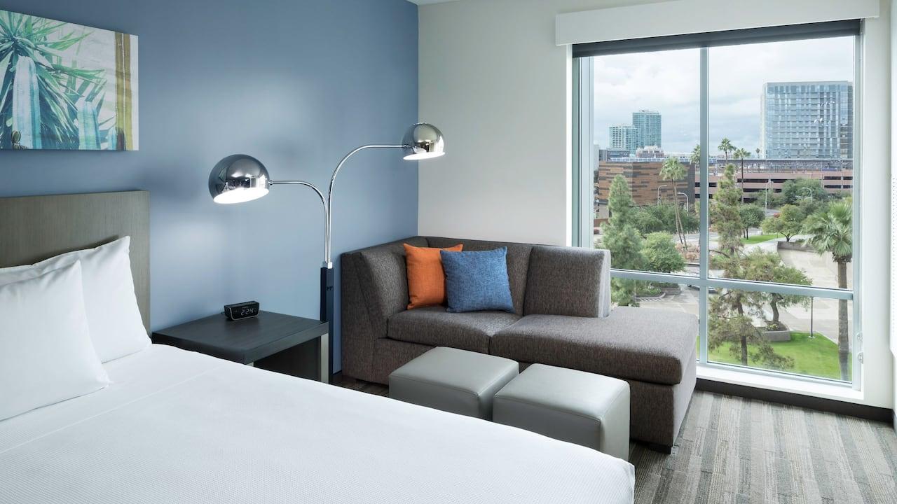 Den Guestroom with Two Queen Beds