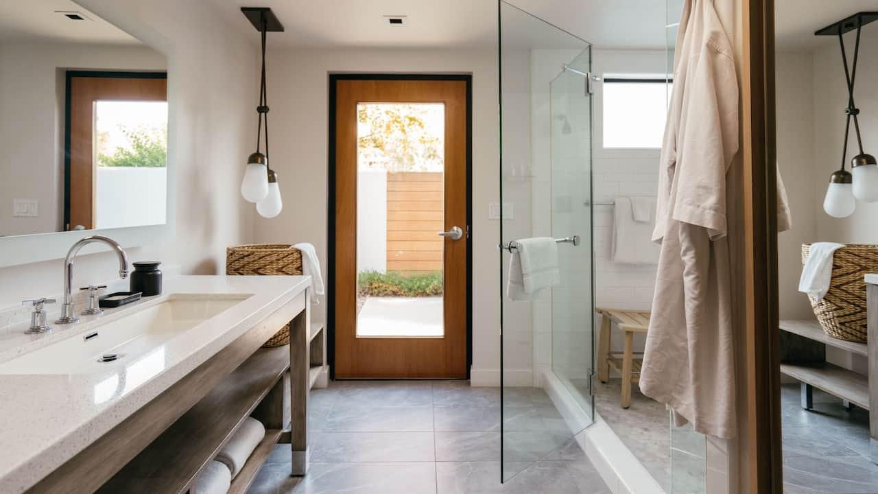Saarinen Bathroom