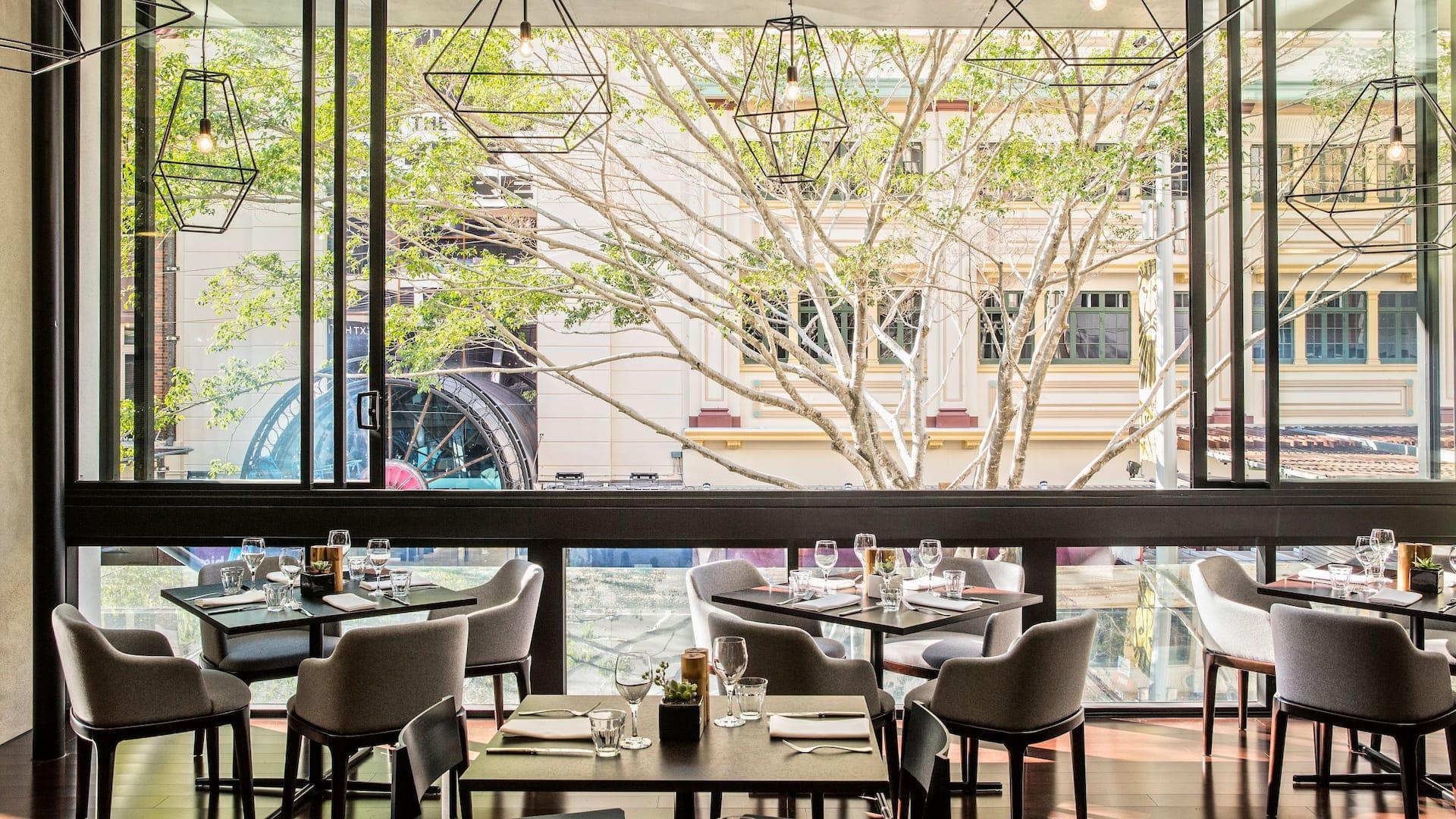 Hyatt Regency Brisbane Lennons Restaurant