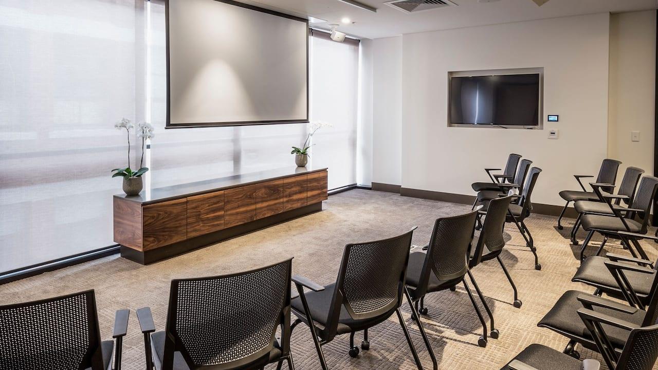 Executive Studio 2