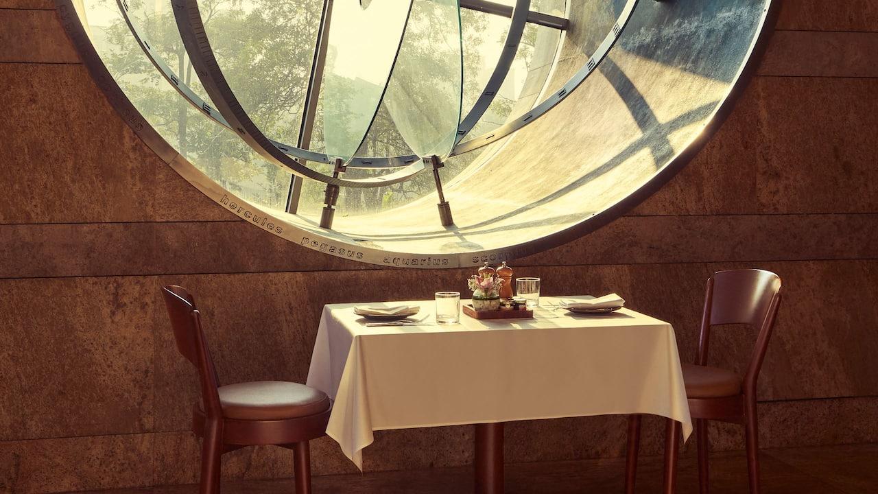 Celini Moon Window