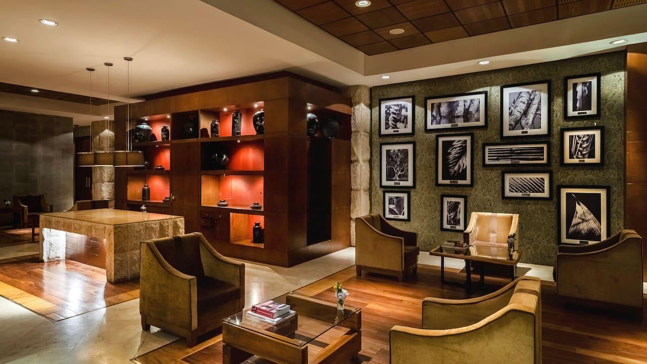 Lobby Lounge Amate