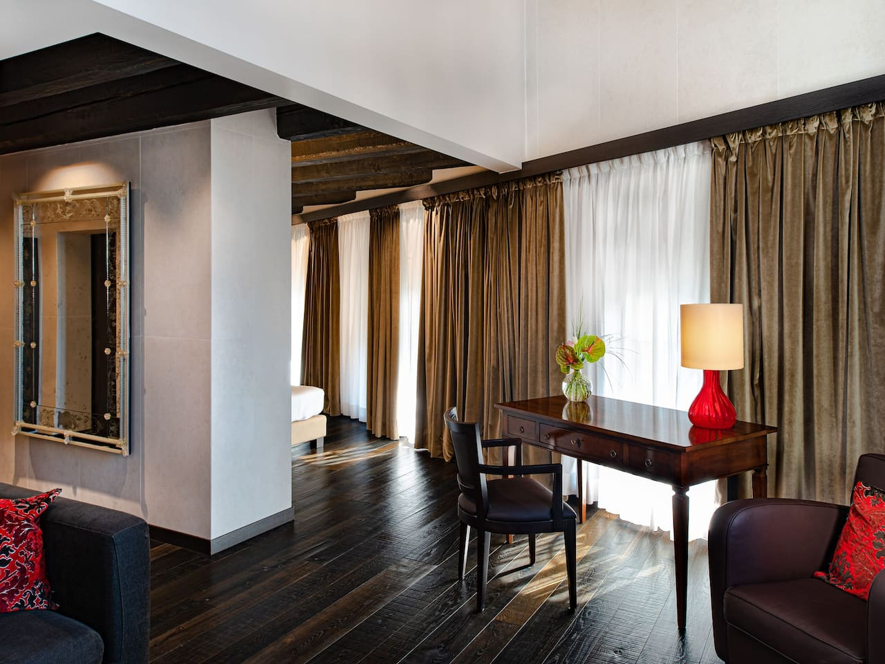 Grand Suite with Canal View