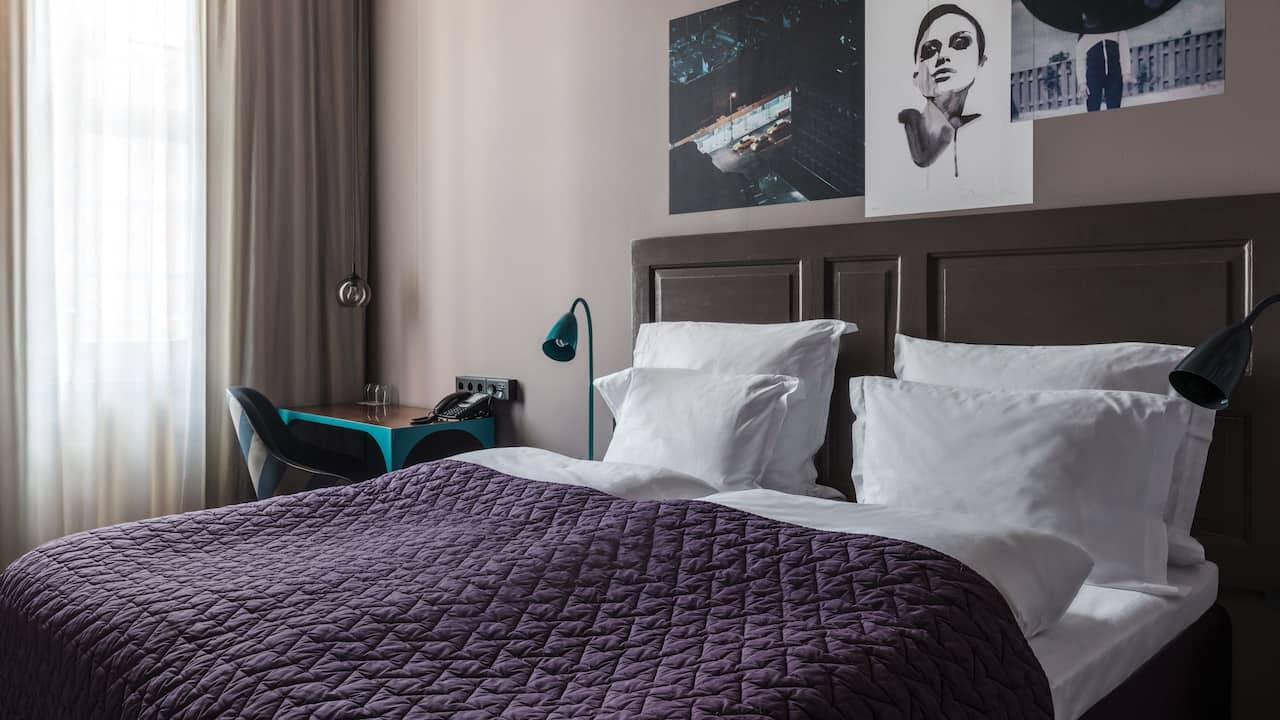 2 Twin Bed Guestroom