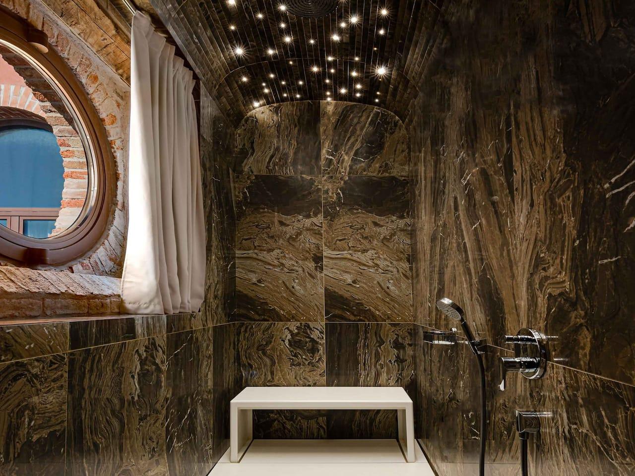 Hyatt Centric Murano bathroom
