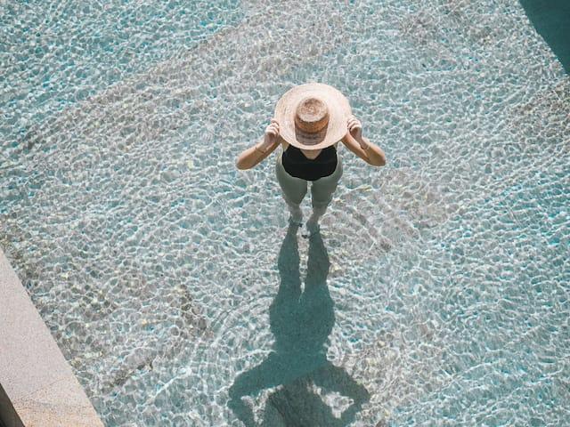 Infinity Pool Hat