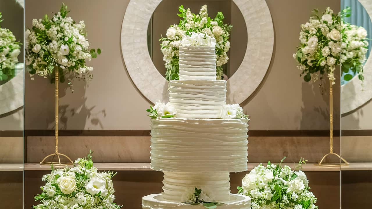 Wedding Cake by Papillon