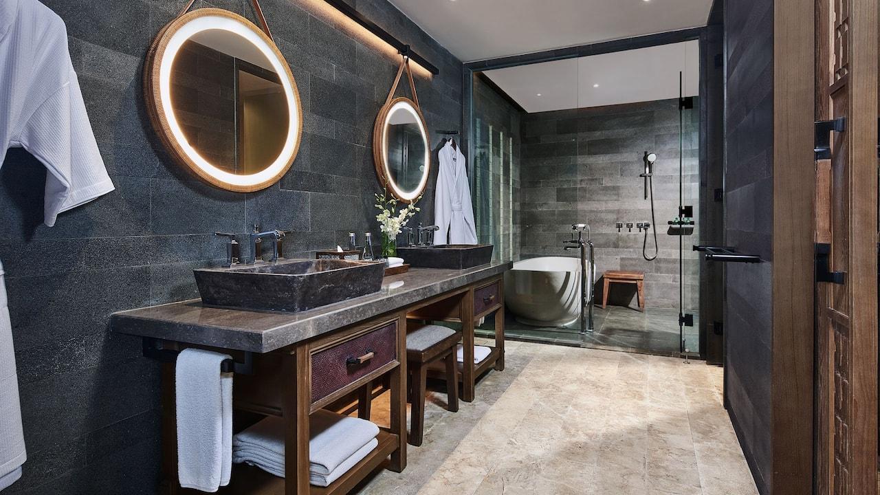 Bathroom at Premium Room Andaz Bali, Sanur