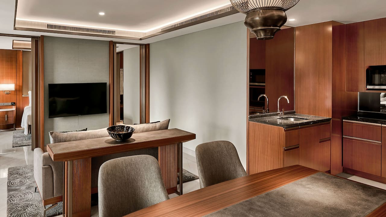 Grand Suite Dining and Kitchen