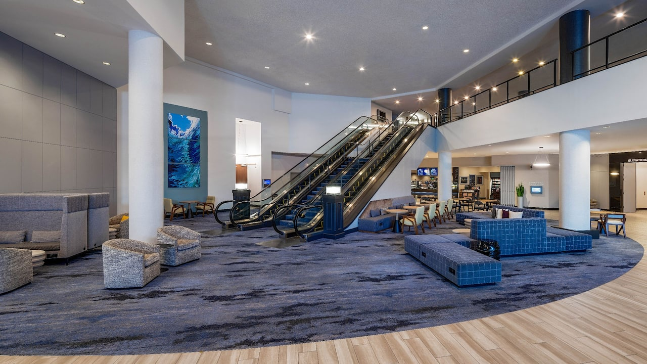 Lobby Escalator Landing