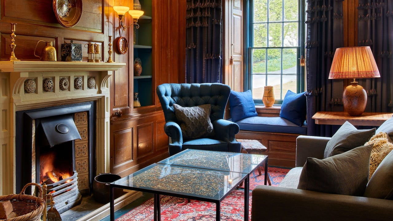 Panelled Lounge